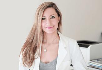 Alejandra Menassa. Médico Internista Co_Directora Máster Salud y medicina Integrativa dela SESMI